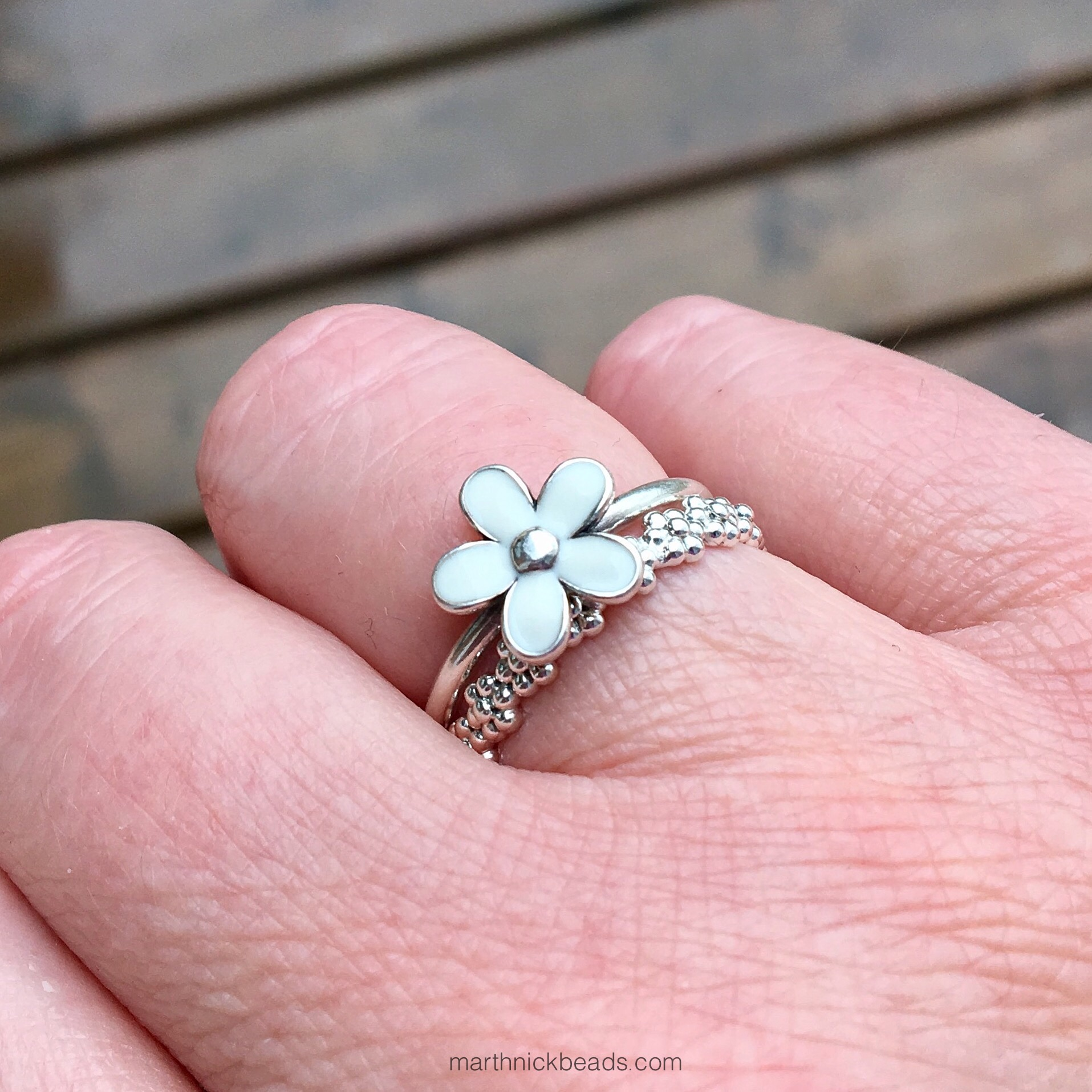 Pandora Field of Flowers and Sweet Daisies Ring – marthnickbeads
